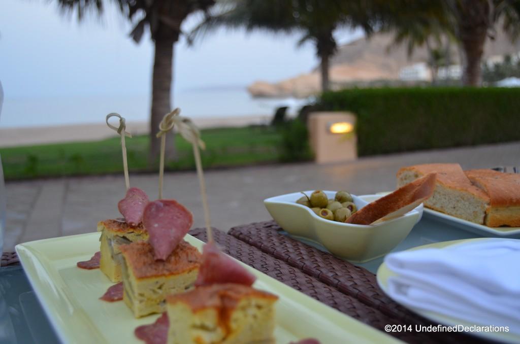Long Bar at Barr Al Jissah Resort & Spa